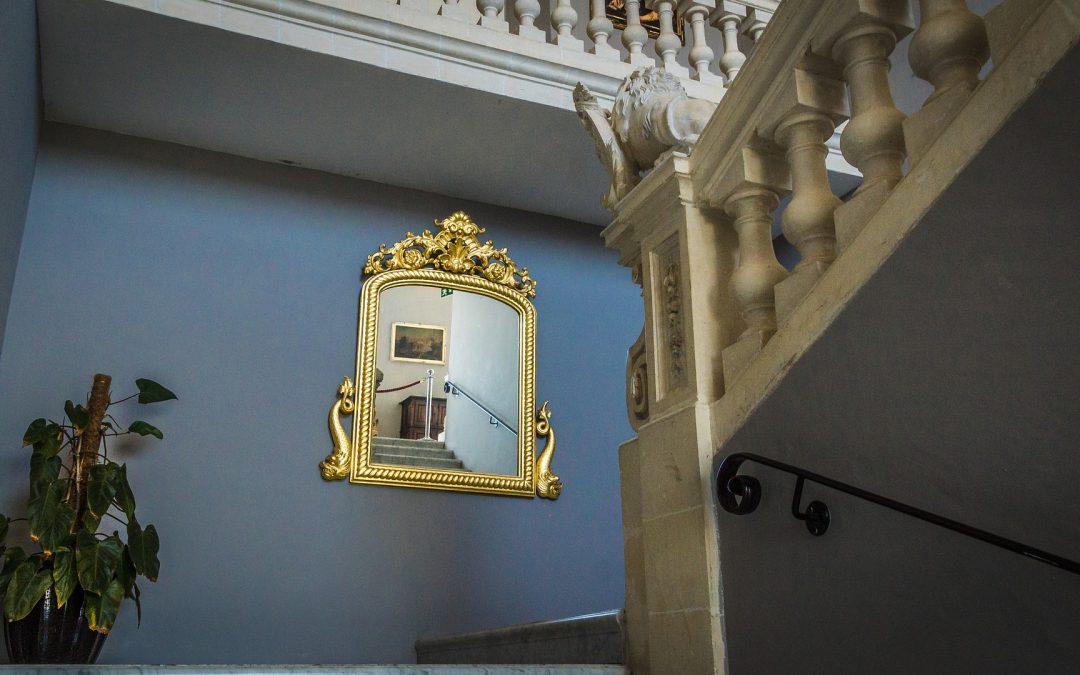 Curiosidades sobre los espejos: ¿Lo sabías?