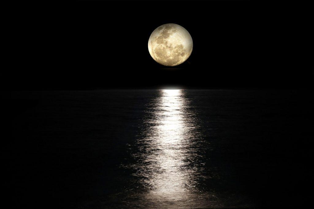la influencia de la luna en los mares